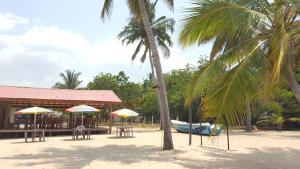 Pigeon Beach Hotel, Hotely  Nilaveli - big - 17