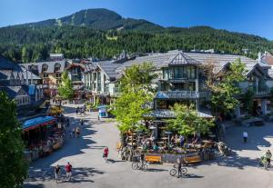 The Crystal Lodge and Suites - Hotel - Whistler Blackcomb