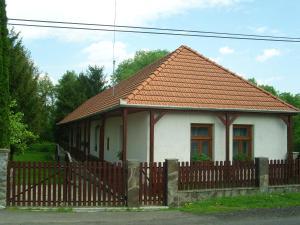 Öreg Bence Háza, Ferienwohnungen - Füzérkomlós