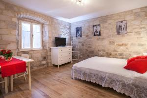 Apartment & Room Ursa, Ferienwohnungen  Trogir - big - 45
