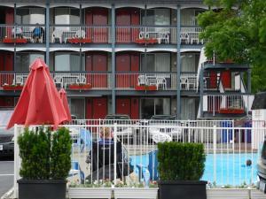 Kings Inn Near the Falls - Niagara Falls