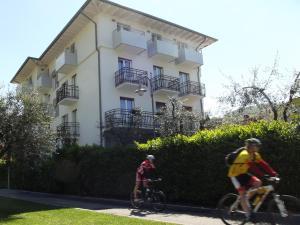 Albergo Garni Francesco, Hotely  Nago-Torbole - big - 1