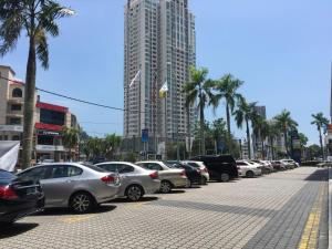 Lusso Suite Island Plaza, Apartmány  George Town - big - 163