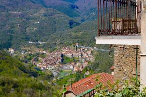 Castelvittorio home - AbcAlberghi.com