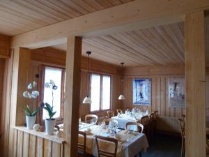 Gasthof Derby - Hotel - Zweisimmen