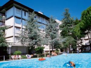 Lignano with pool - AbcAlberghi.com