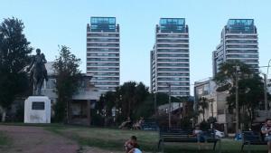 Balcony into Buceo Beach, Apartmány  Montevideo - big - 55