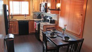 Cowboy Condo - Apartment - Whitefish Mountain Resort