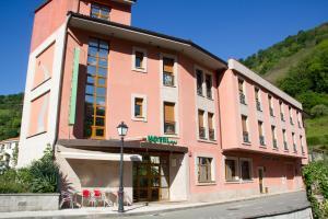 Hotel las Cruces - Baselgas