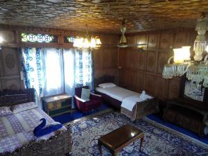 Kashmir View Houseboat, Отели  Сринагар - big - 1