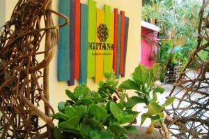 Casa Gitana Hostel & Traveler's Home - Santa Ana