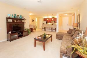 Shoreway Two-Bedroom Apartment 227, Apartmány  Orlando - big - 1