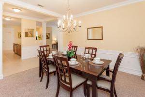Cayview Three-Bedroom Apartment 235, Apartmány  Orlando - big - 48