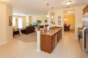 Cayview Three-Bedroom Apartment 235, Apartmány  Orlando - big - 45