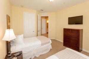 Cayview Three-Bedroom Apartment 235, Apartmány  Orlando - big - 32