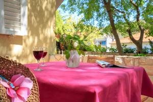 Leona & Borna's Central Lapad Suites, Appartamenti  Dubrovnik - big - 75