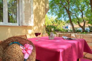 Leona & Borna's Central Lapad Suites, Appartamenti  Dubrovnik - big - 76