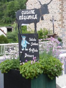 Hôtel des Voyageurs, Hotely  Ferrières-Saint-Mary - big - 35