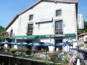 Hôtel des Voyageurs, Hotels  Ferrières-Saint-Mary - big - 39
