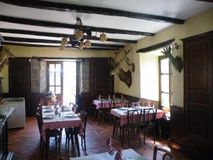 Hôtel des Voyageurs, Hotely  Ferrières-Saint-Mary - big - 36