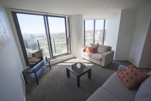 Fantastic 2 Bedroom Apartment with Sea Views