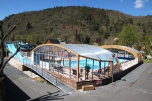 Location gîte, chambres d'hotes Camping La Clé des Champs dans le département Puy de Dôme 63