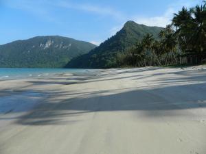 Khanom Beachfront Condo - Ban Plau