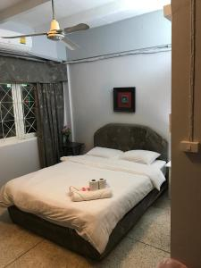 Scandalic Bar and Guest house
