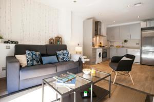 Feelathome Mozart Apartments - Barcellona