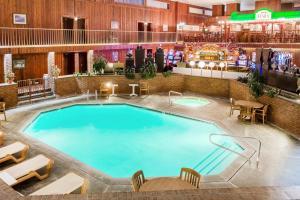 Ramada by Wyndham Ely, Hotels  Ely - big - 18