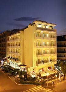 Mediterraneo Hotel & Suites - AbcAlberghi.com