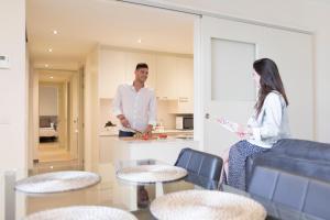 Bravissimo Cort Reial-1A - Apartment - Girona