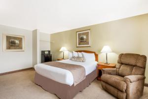 Ramada by Wyndham Ely, Hotels  Ely - big - 21