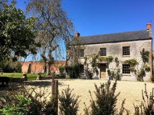 Huxham Farmhouse - East Pennard