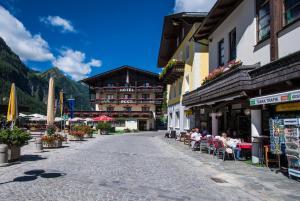 Landhotel Post an der Talstation - Hotel - Heiligenblut / Großglockner