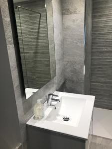 Apartaments Vacances AFV - Apartment - Sant Pere