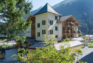 Der Waldhof, Hotely  Sankt Anton am Arlberg - big - 56