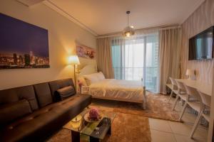 Studio Apartment - Goldcrest Views 2 - Dubai