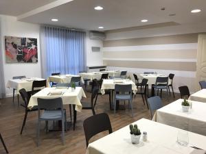 Hotel Gardenia, Hotely  Romano Canavese - big - 47