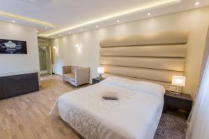 Grand Lakes Rooms, Vendégházak  Jezerce - big - 13