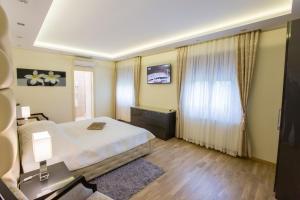 Grand Lakes Rooms, Vendégházak  Jezerce - big - 10