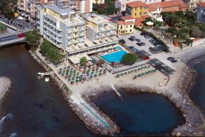 Hotel Bellevue Et Mediterranée, Hotely  Diano Marina - big - 58