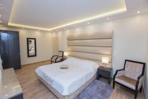 Grand Lakes Rooms, Vendégházak  Jezerce - big - 9