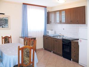 Haus Villa Dorina 163S, Apartments  Štinjan - big - 3