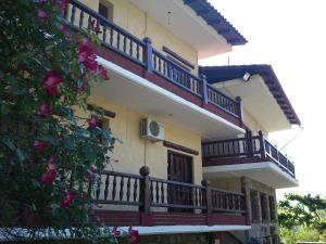 Hostales Baratos - Hotel Polydrosos