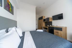 Partner Guest House Khreschatyk, Appartamenti  Kiev - big - 133