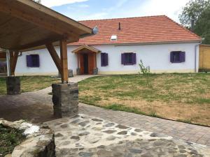 Sadhana Yoga Retreat Centre - Vindornyalak