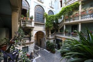 Palazzo Alibrandi House - abcRoma.com