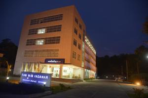 Hotel Taw Win Yadanar - Ban Lutha