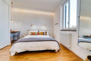Designer Apt Near Pantheon